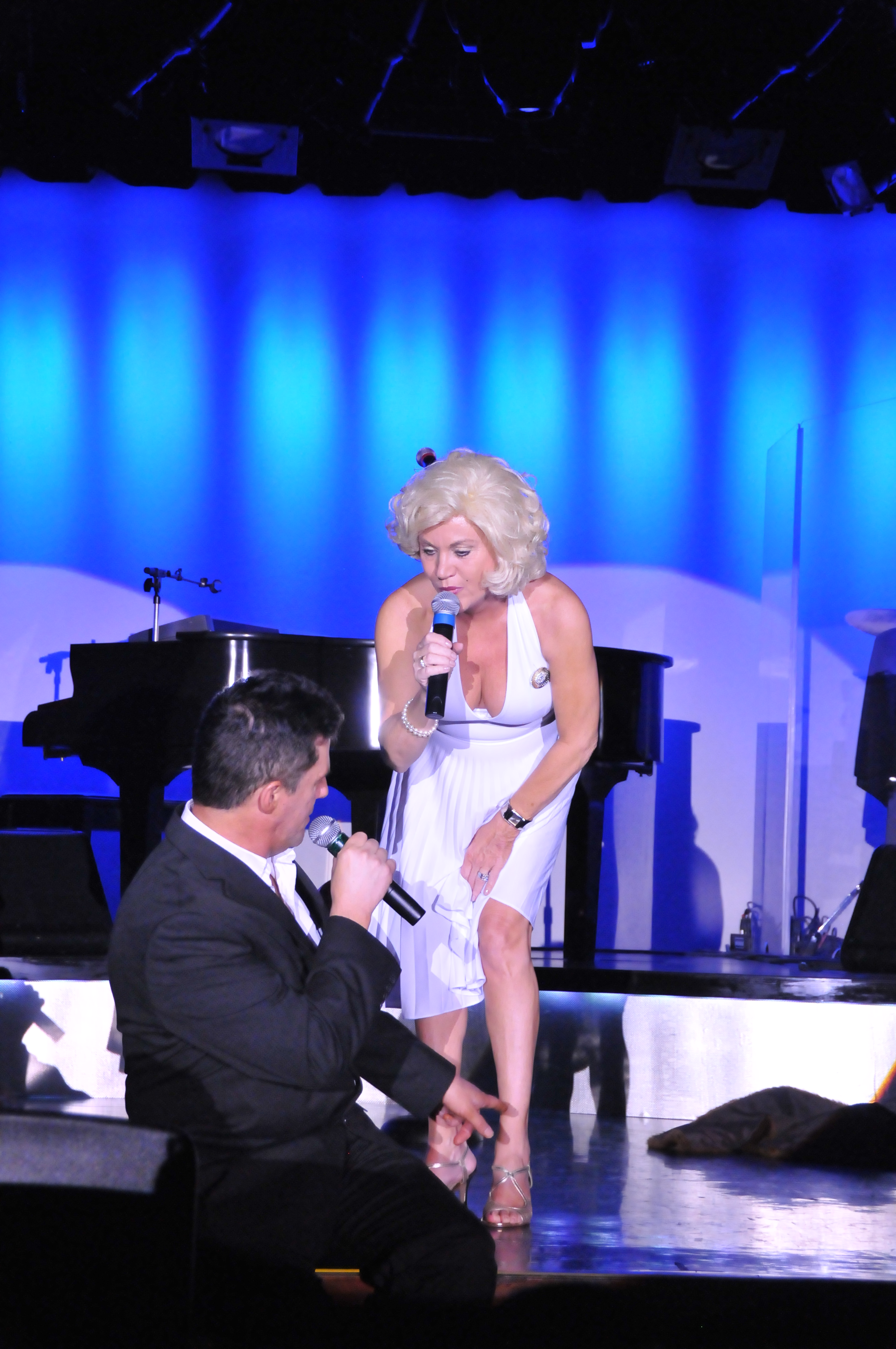 Marilyn and Simon Cowell at Golden Nugget in Vegas 5
