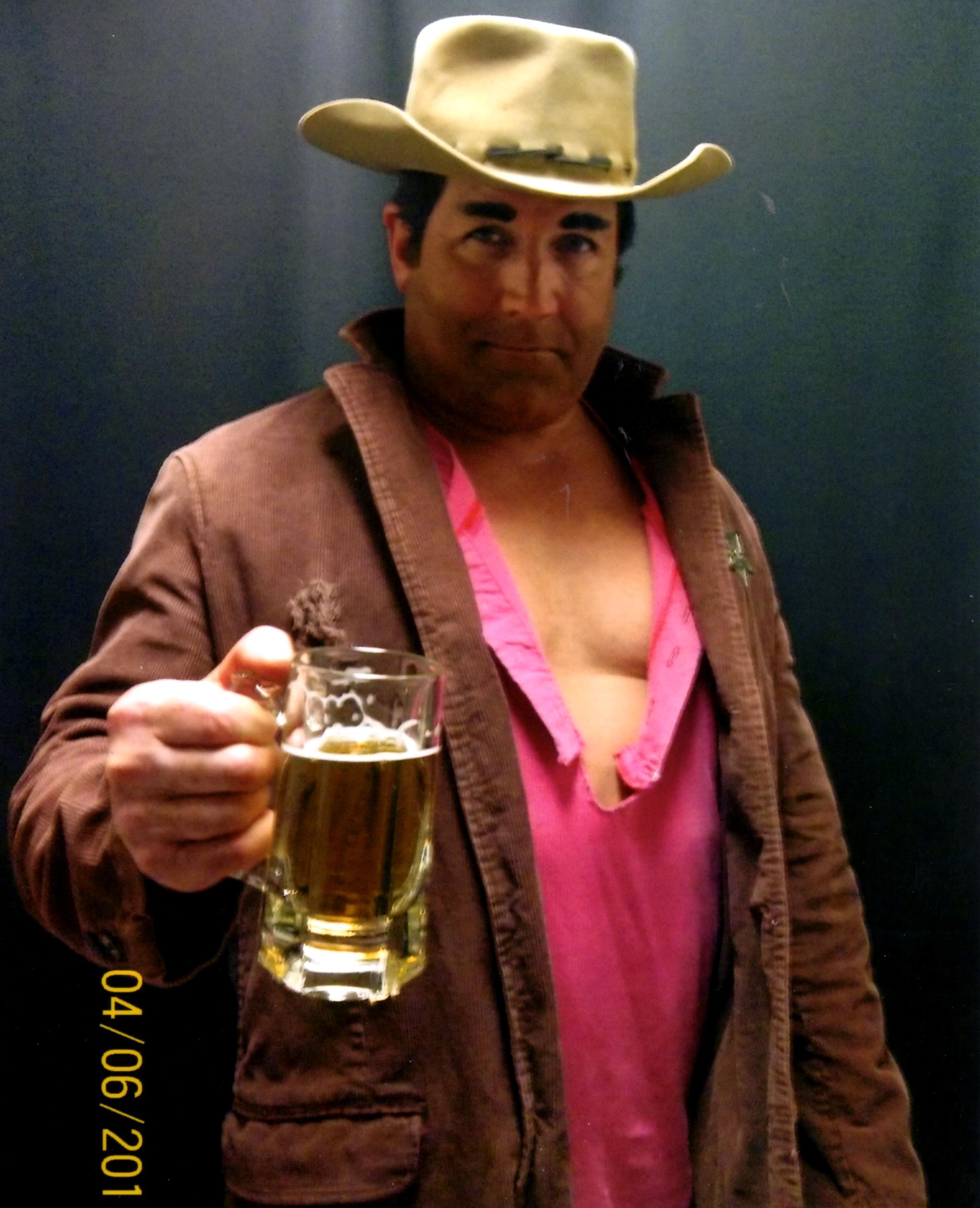 Matt Helm as DUDE from Rio Bravo