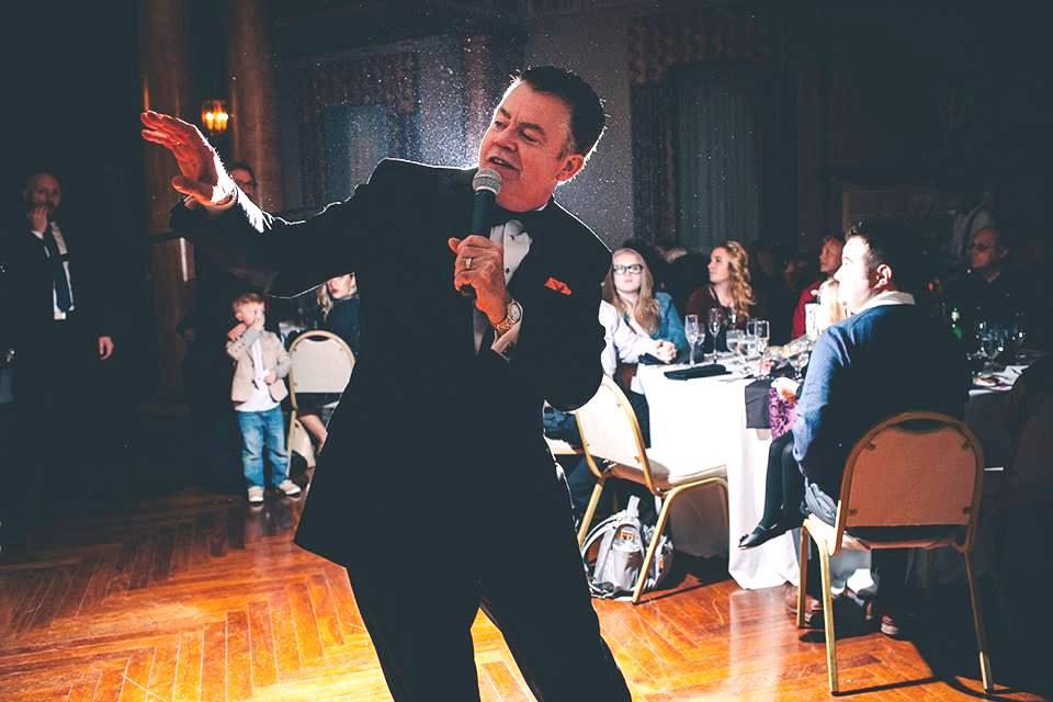 Matt Singing at The Cincinnati Club